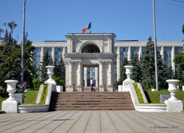 Arc de triomphe (Chișinău, Moldova, 2017)