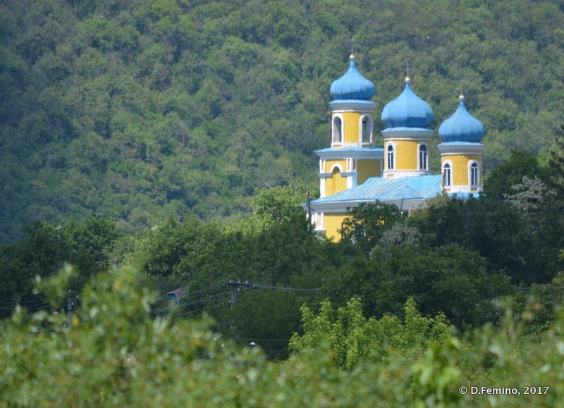 Blue domes church (Butuceny, Moldova, 2017)