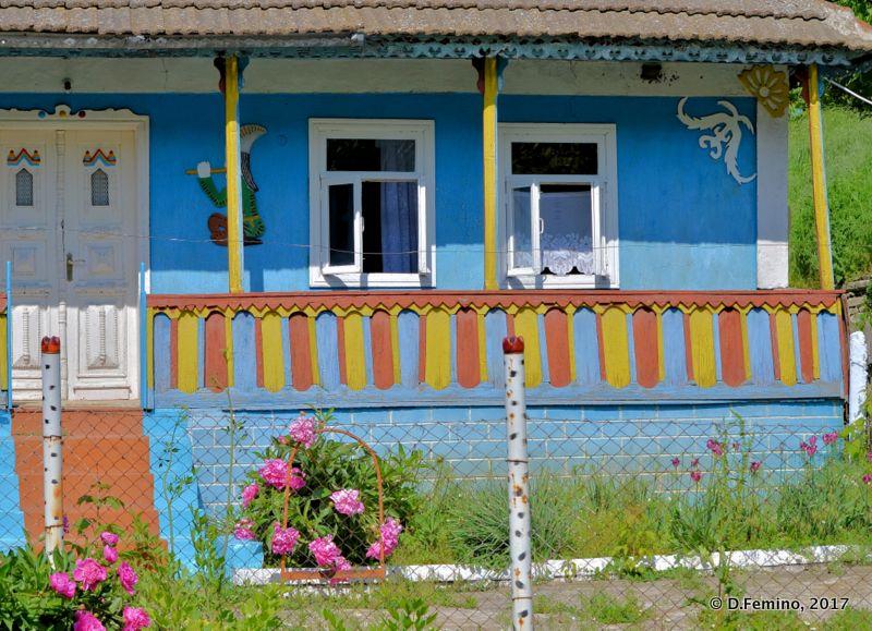 Colourful house (Trebujeni, Moldova, 2017)