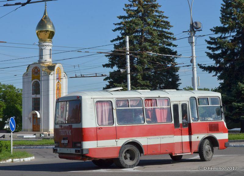 Bus in town (Tiraspol, Trasnistria, 2017)