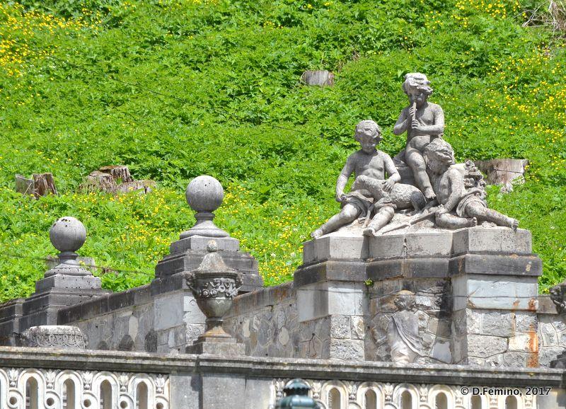 Sculptures in Peleș garden (Sinaia, Romania, 2017)
