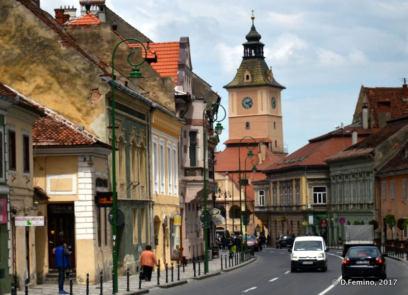 Street in the centre (Brașov, Romania, 2017)