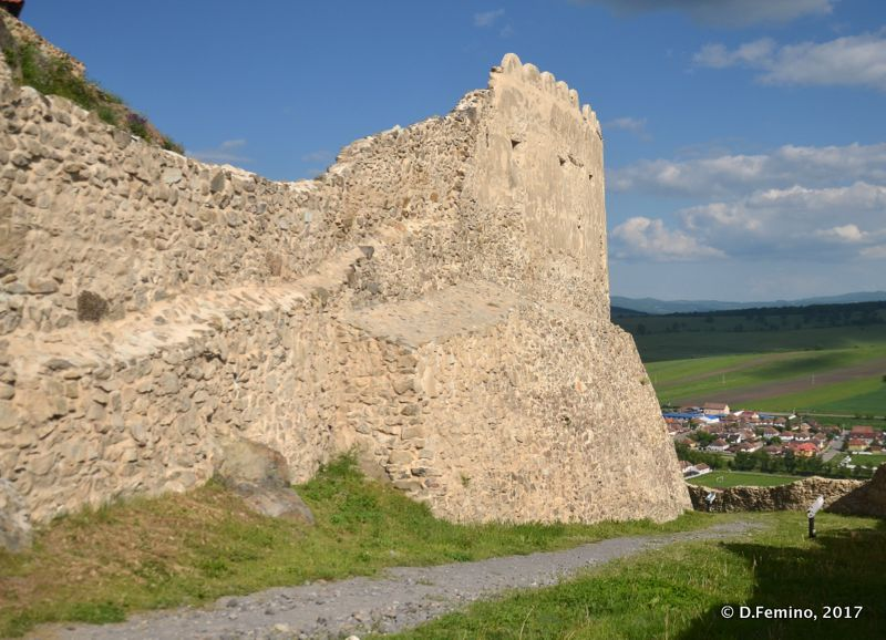 Well preserved walls (Rupea, Romania, 2017)