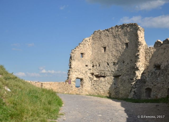 Ruins within the citadel (Rupea, Romania, 2017)