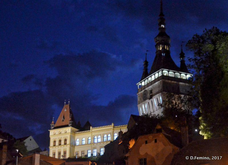 Citadel at night (Sighișoara, Romania, 2017)