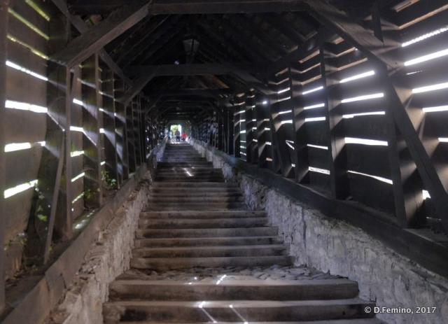 Covered stairway (Sighișoara, Romania, 2017)