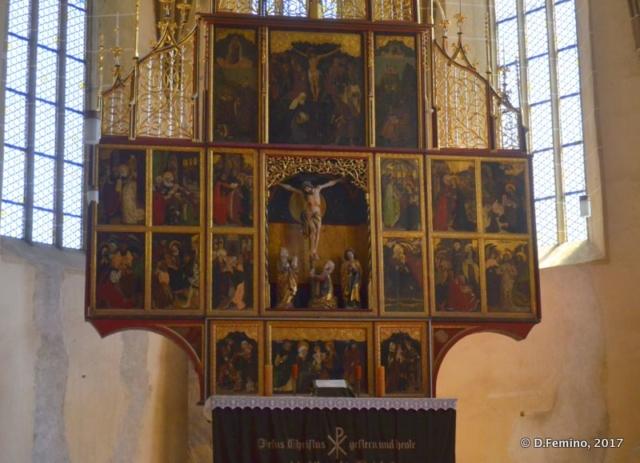 Cross on the altar (Biertan, Romania, 2017)