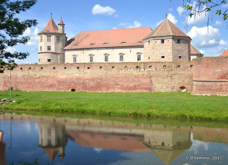 Reflections of the citadel (Făgăraș, Romania, 2017)