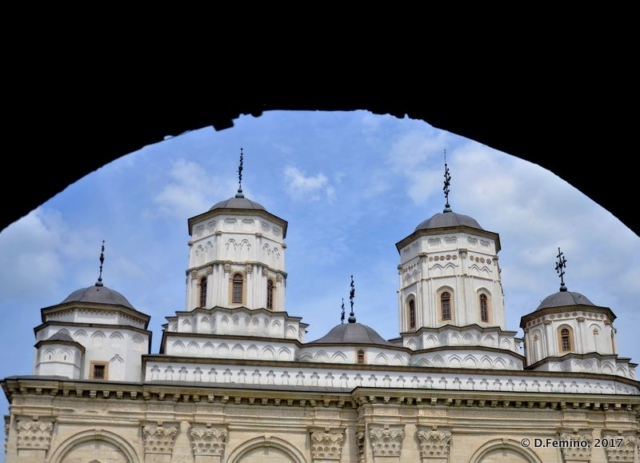 Golia monastery under the arch (Iași, Romania, 2017)