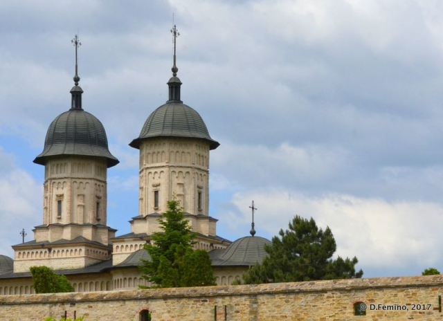 Roof of Cetățuia monastery (Iași, Romania, 2017)