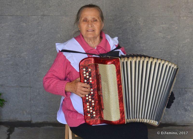 Street musician lady (Odessa, Ukraine, 2017)