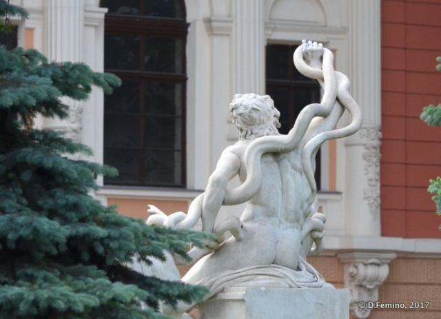 Statue (Odessa, Ukraine, 2017)