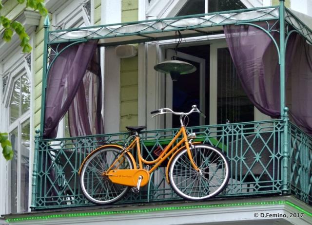 Peculiar bike parking (Tallin, Estonia, 2017)