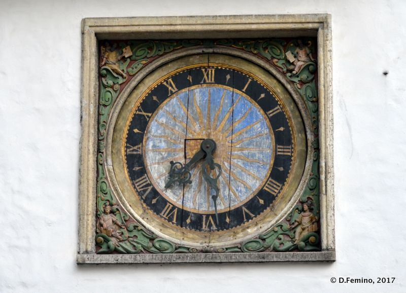Old clock (Tallin, Estonia, 2017)