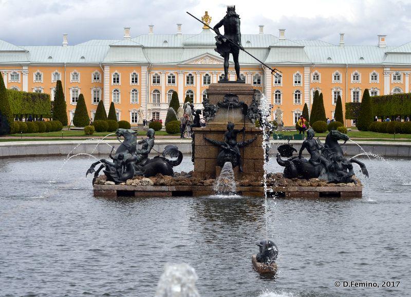 Back of palace (Peterhof, Russia, 2017)