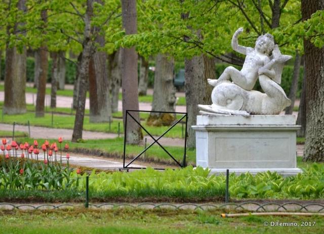 Putti fountain (Peterhof, Russia, 2017)