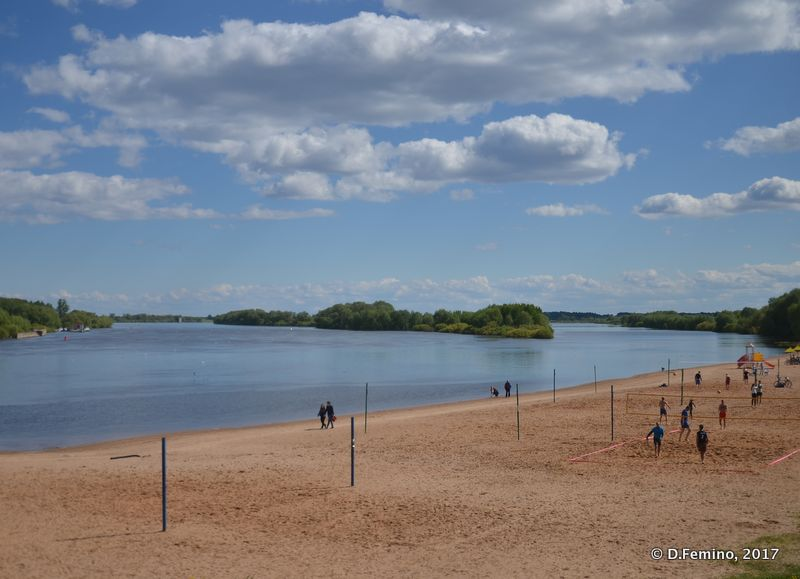 Beach on Volkhov River (Veliky Novgorod, Russia, 2017)