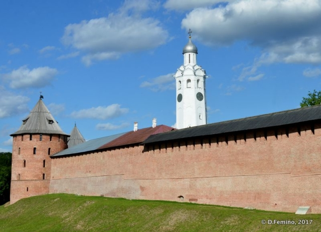 Walls of the Kremlin (Veliky Novgorod, Russia, 2017)