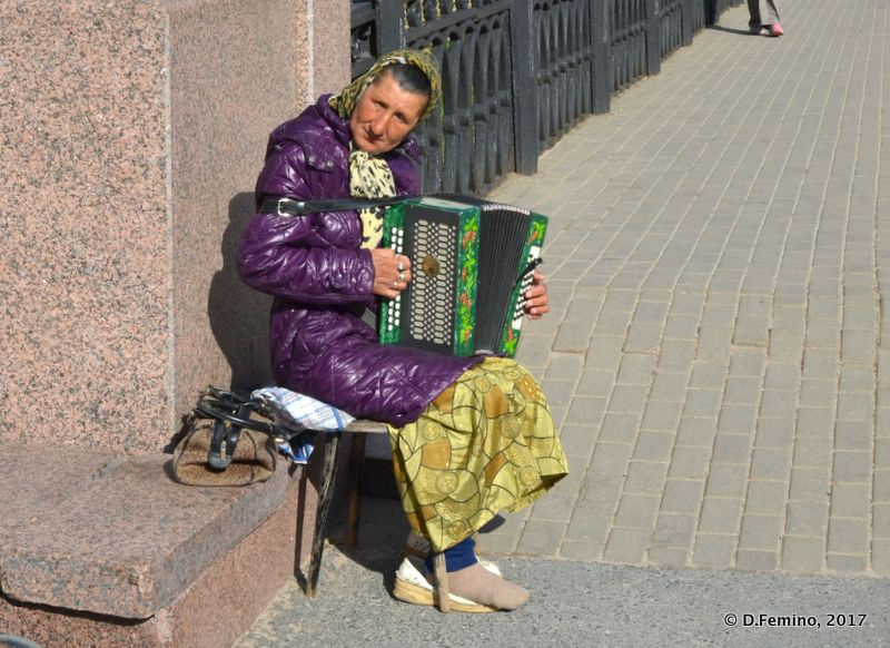 Accordion player (Veliky Novgorod, Russia, 2017)