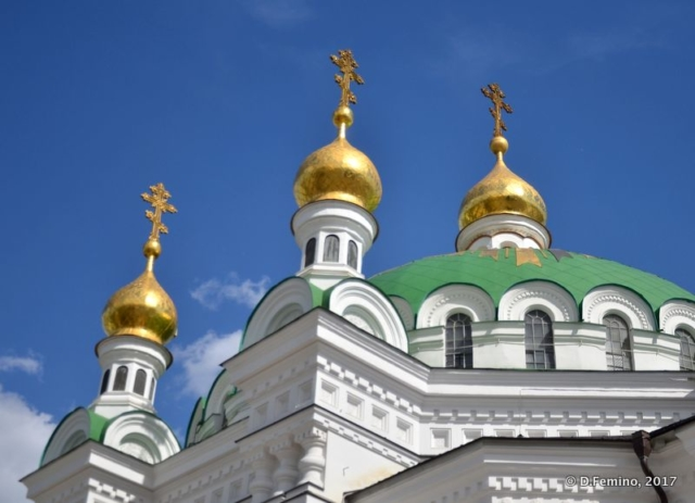Golden domes in Pechersk Lavra (Kiev, Ukraine, 2017)