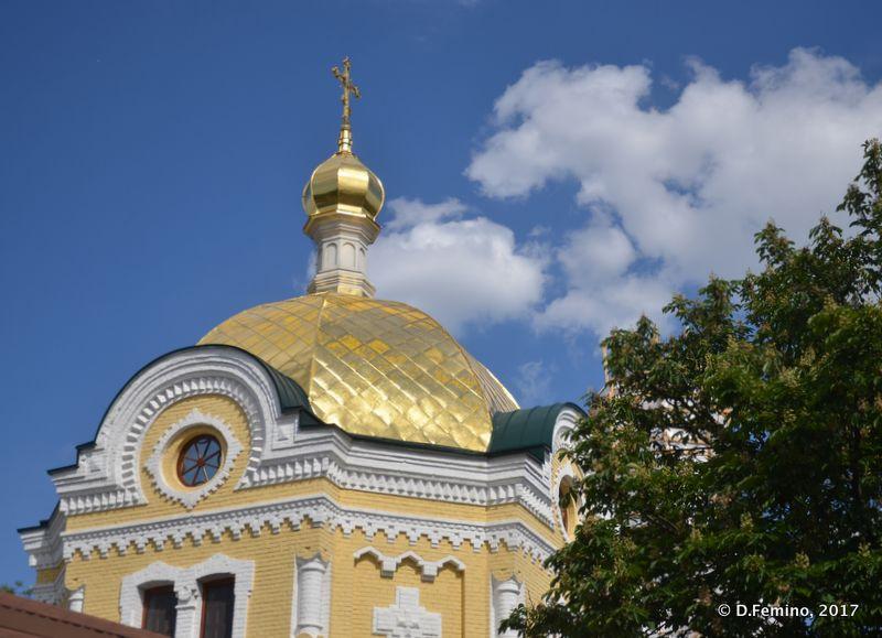 Roof and clouds (Kiev, Ukraine, 2017)