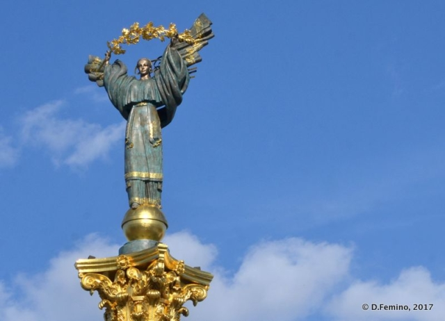 Indipendence monument in Maidan Nezalezhnosti (Kiev, Ukraine, 2017)
