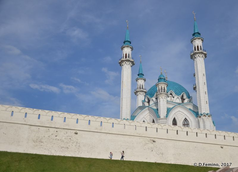 Qolşärif Mosque from the other side of the wall (Kazan, Russia, 2017)