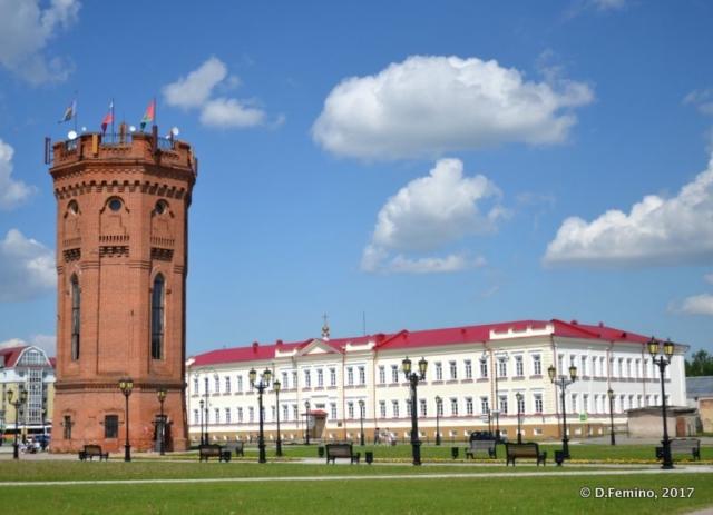Brick tower in central square (Tobolsk', Russia, 2017)