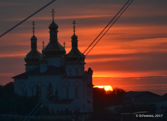 Church silhouette at sunset (Tyumen, Russia, 2017)