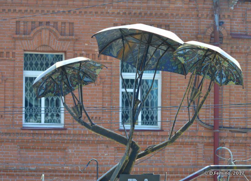 Umbrellas monument (Novosibirsk, Russia, 2017)