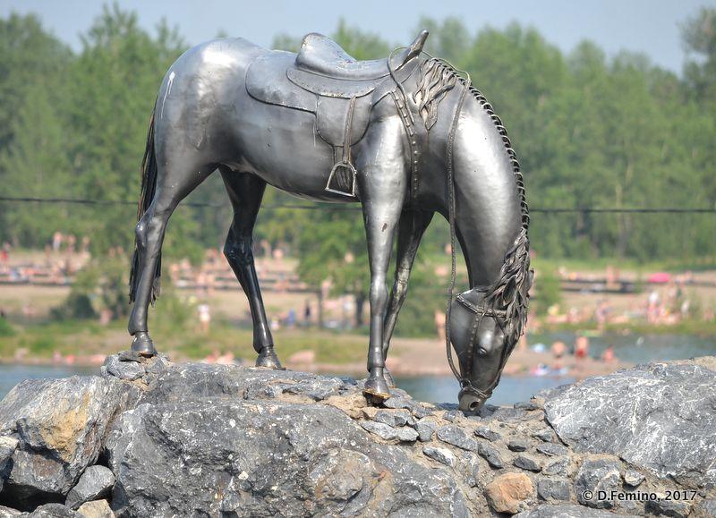 Horse monument (Krasnoyarsk, Russia, 2017)