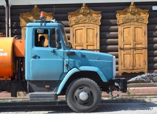 Truck and Siberian windows (Ulan Ude, Russia, 2017)