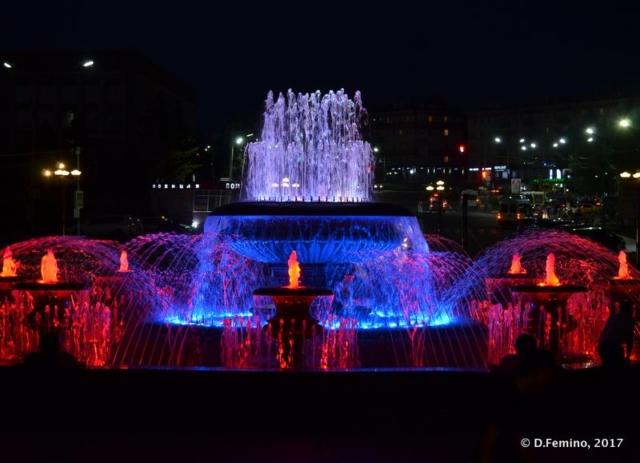 Music fountain at night (Ulan Ude, Russia, 2017)