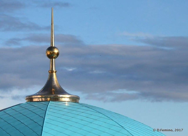 Golden pinnacle in Qolşärif Mosque (Kazan, Russia, 2017)