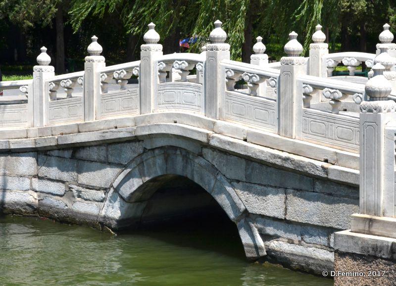 White marble bridge (Beijing, China, 2017)