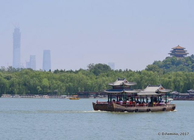 Quiet Beihai lake (Beijing, China, 2017)