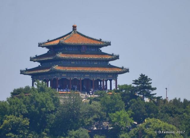 Chinese pavilion on Jade flower island (Beijing, China, 2017)