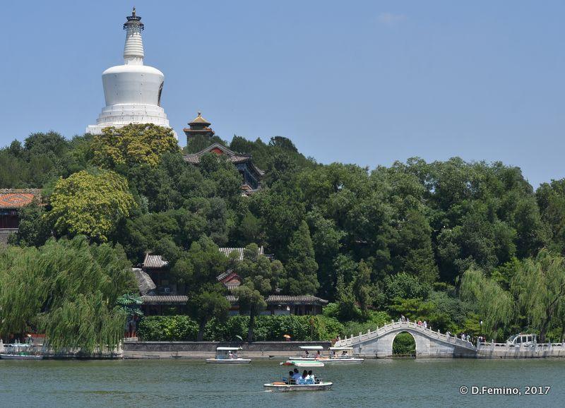 Jade flower island and white pagoda (Beijing, China, 2017)