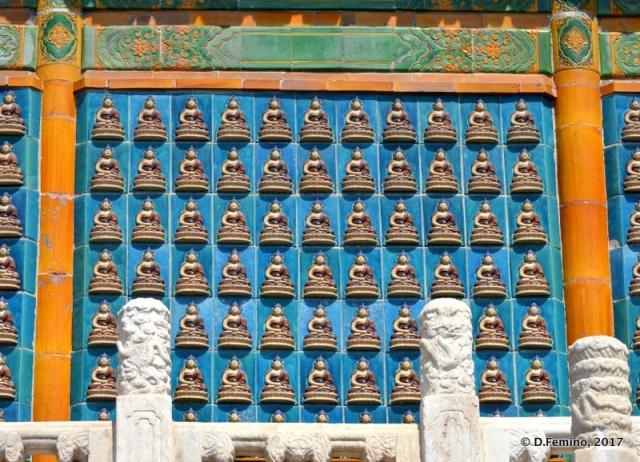 Small Buddhas (Beijing, China, 2017)