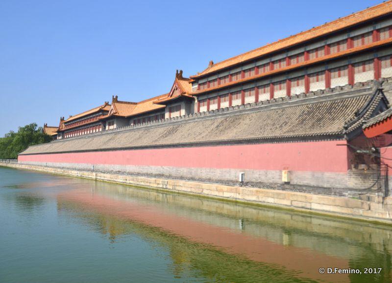 Walls of forbidden city (Beijing, China, 2017)