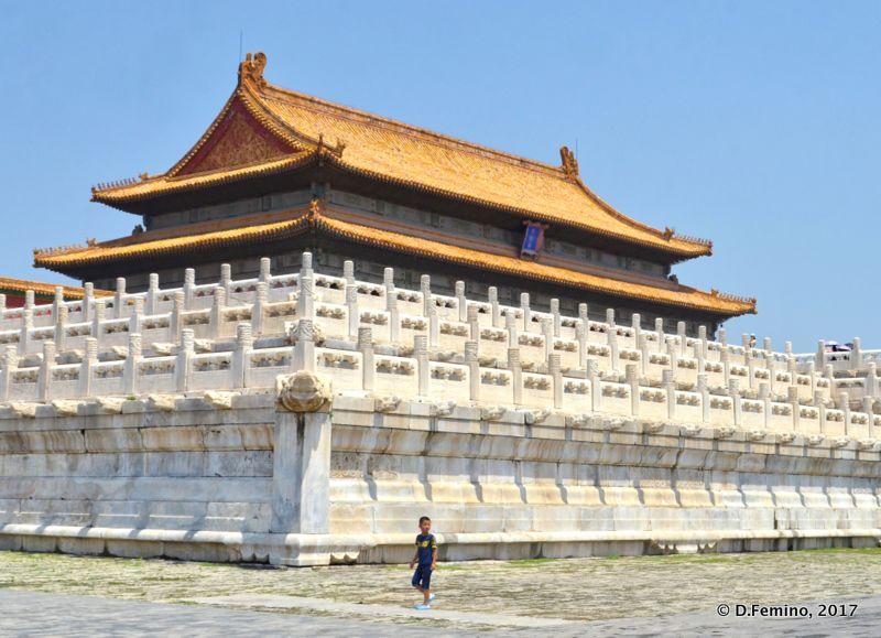 Walls around hall of supreme harmony (Beijing, China, 2017)