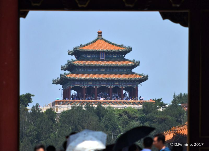 Pavilion in Jingshan Park from Forbidden City (Beijing, China, 2017)
