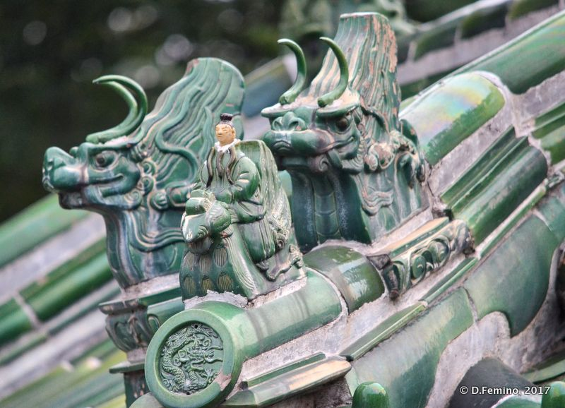 Dragon on a roof in temple of heaven park (Beijing, China, 2017)