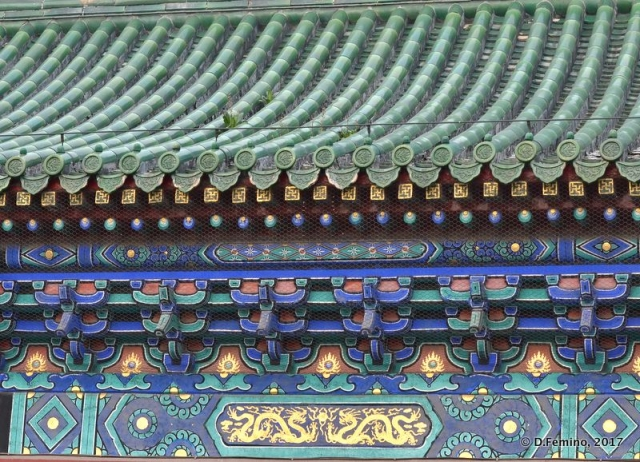 Temple of Heaven roof detail (Beijing, China, 2017)