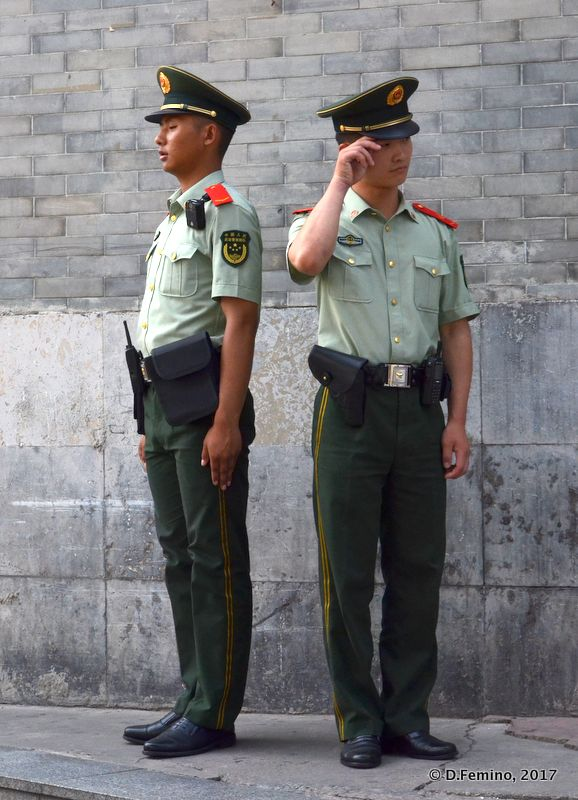 Soldiers on guard (Beijing, China, 2017)