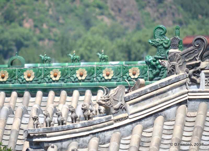 Detail of temple roof (Jiangou, China, 2017)