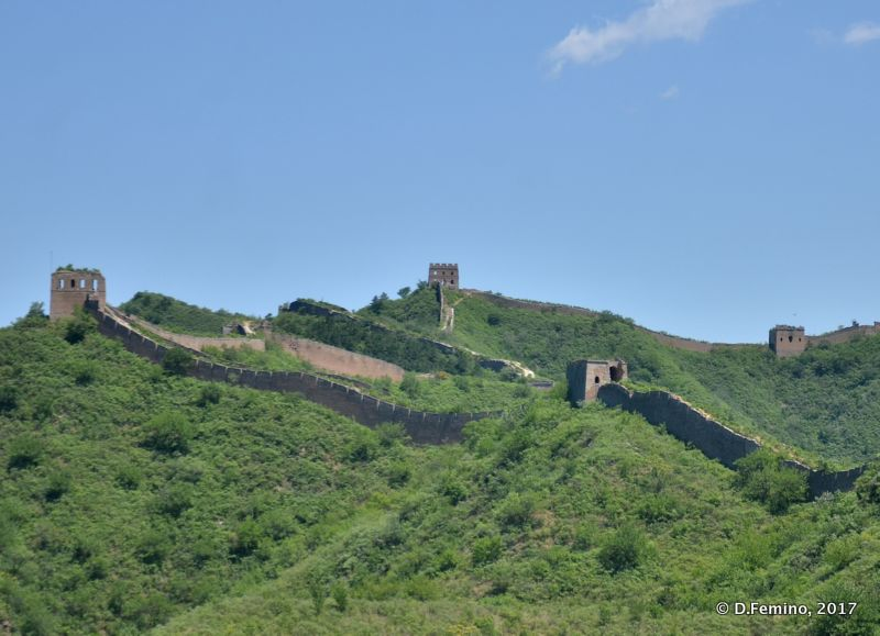 Chinese walls and blue sky (China, 2017)