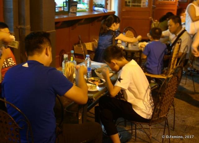 Eating at night (Beijing, China, 2017)