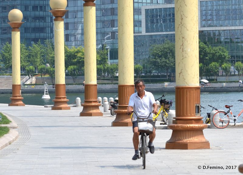 Cycling in culture square (Tianjin, China, 2017)