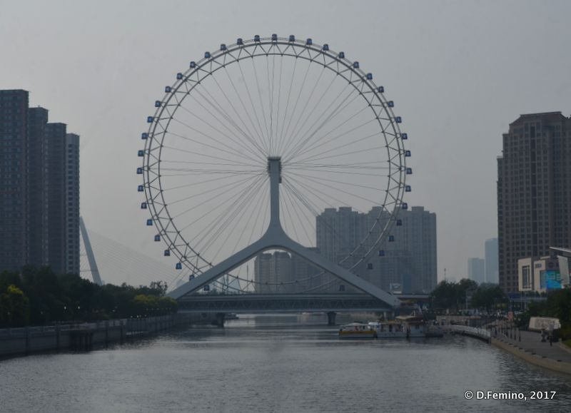 Tianjin Eye in the haze (Tianjin, China, 2017)